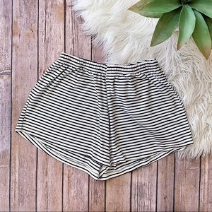BRANDY MELVILLE Stripped Shorts